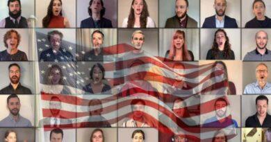 """""""God Bless America"""" em iídiche para novo presidente dos EUA"""