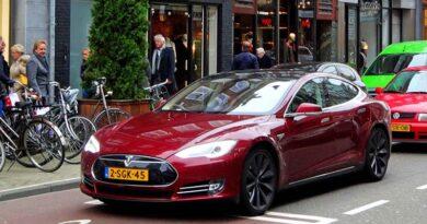Ministério aprova a importação de Tesla