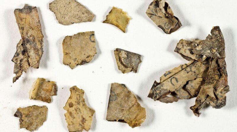 fragmentos de texto bíblico
