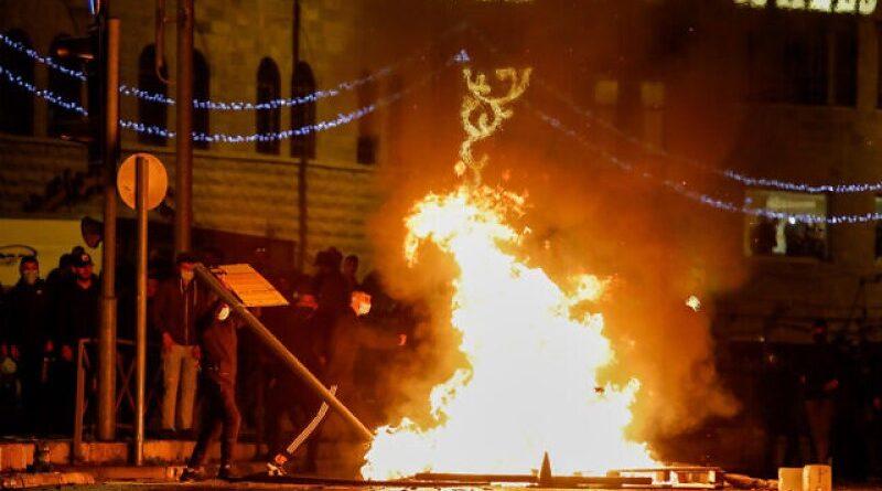 Confrontos continuam nas ruas de Jerusalém