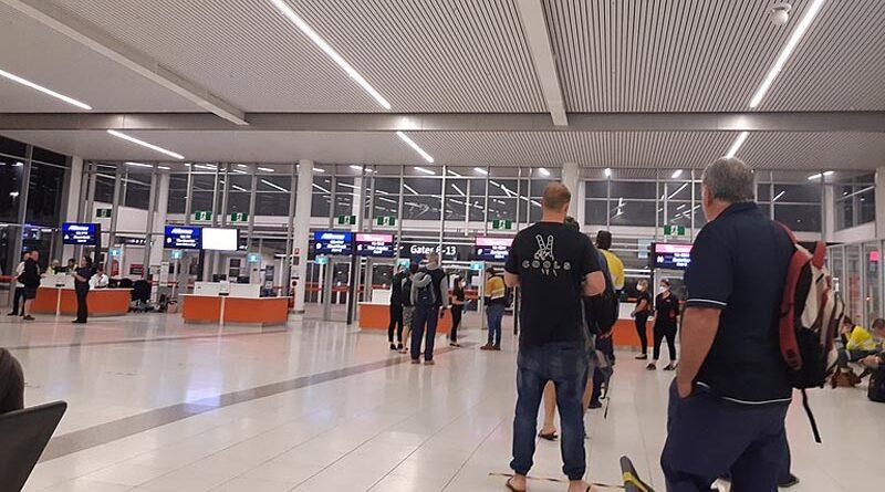 Estrangeiros poderão sair e retornar a Israel