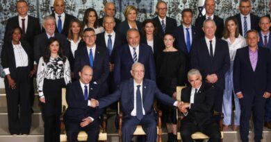 Nova equipe de governo inicia