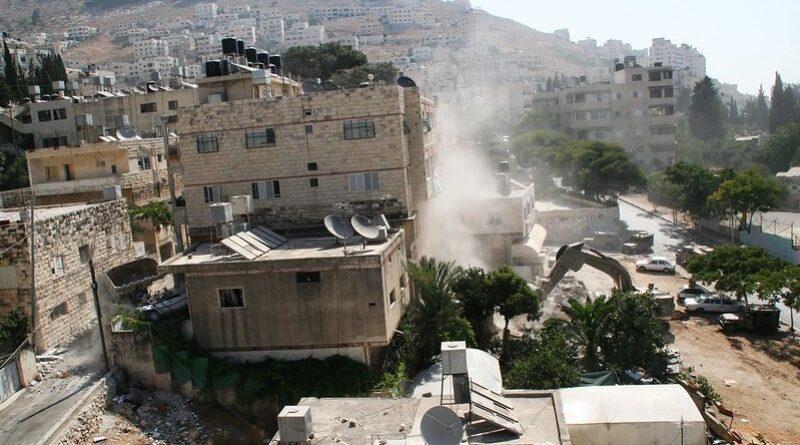 Israel destrói casa de terrorista