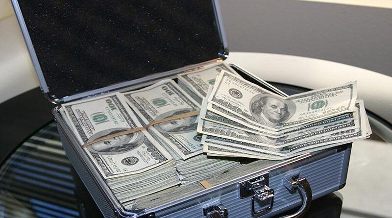 """Bennett retornar às """"malas de dinheiro"""""""