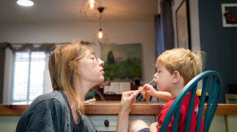 quarentena para pais de crianças infectadas